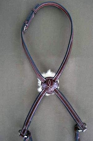 noseband-square-raised-figure-eight